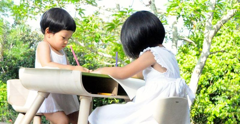 PlanToys-table--chair-4